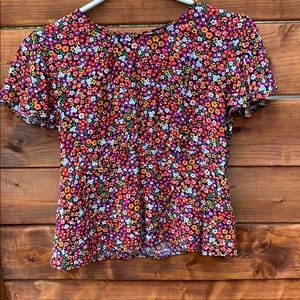 Floral t-shirt flared sleeves